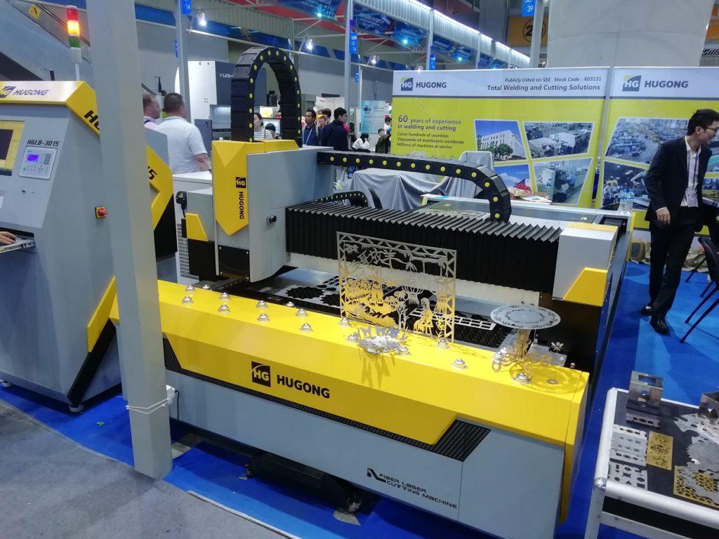CNC stroj z Číny